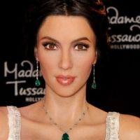 PHOTOS - Kim Kardashian en mariée : sa statue de cire disponible à Hollywood