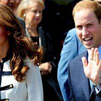 PHOTOS : William et Kate sur le lieu des émeutes de Londres