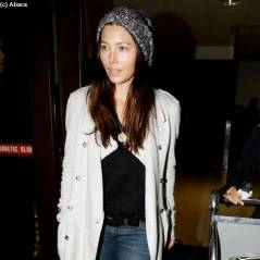 Jessica Biel : sans maquillage pour son retour à Los Angeles (PHOTOS)