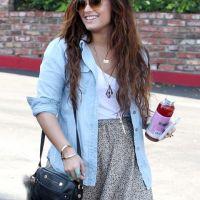 Demi Lovato : tout sourire à Los Angeles (PHOTOS)