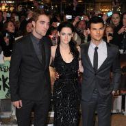 Robert Pattinson et Kristen Stewart à Londres : collés-serrés pour la promo de Twilight (PHOTOS)
