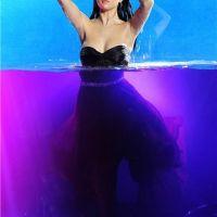 Selena Gomez : trop sexy en plein shooting pour son parfum (PHOTOS)