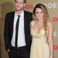 Miley Cyrus : super sexy au bras de Liam Hemsworth (PHOTOS)