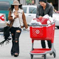 Vanessa Hudgens et Austin Butler : sexy même au supermarché :  (PHOTOS)