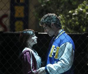 Ashley Rickards et Beau Mirchoff dans Awkward