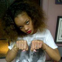 Rihanna : un tatouage pour rendre hommage à Tupac (PHOTO)