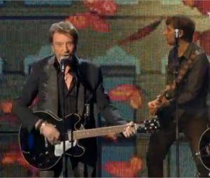 Johnny Hallyday chante un medley de ses tubes