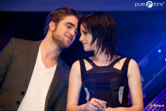 Fini les mots d'amour, Rob crache sur Kristen maintenant ...