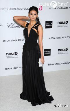 Nina Dobrev, impec' dans sa robe noire
