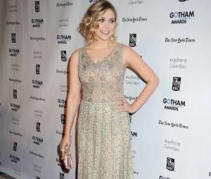 Elizabeth Olsen ultra glamour pour les Gotham Awards
