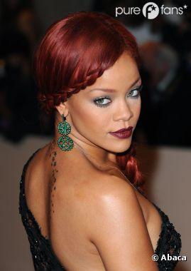 Rihanna chassait les ovnis quand elle était petite !