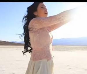 Indila accompagne le rappeur