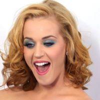 Katy Perry : après les cheveux bleus, les petits hommes verts !