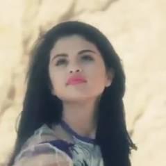 Selena Gomez : Glam et sexy pour le shooting de ELLE Us (vidéo)