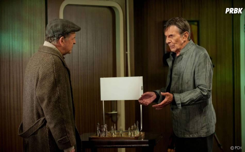 Leonard Nimoy et John Noble dans Fringe
