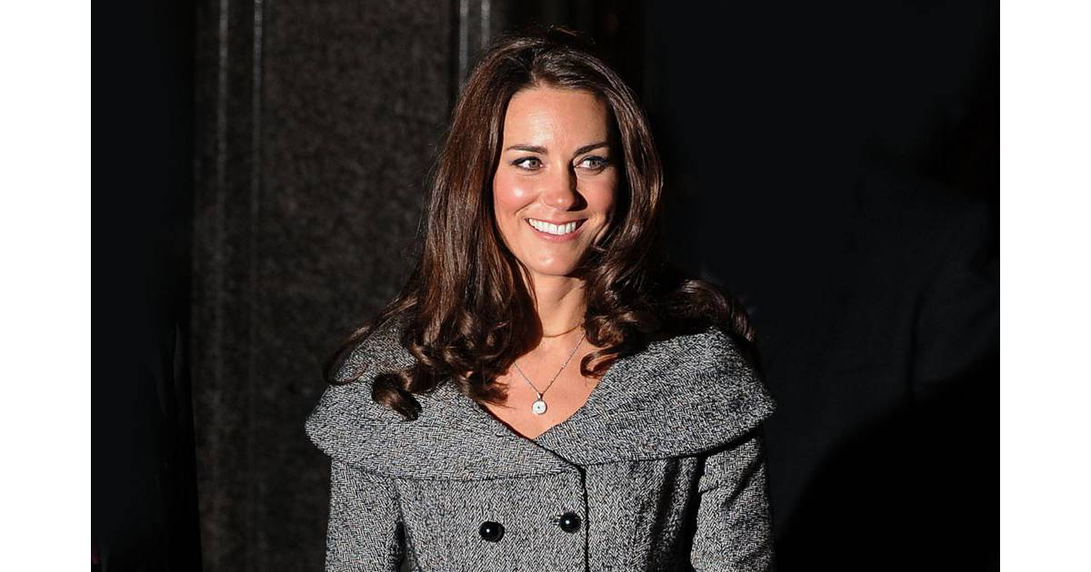 Kate middleton elle recycle ses fringues mais d pense 130 000 euros en v tements - Garderobeopening ...