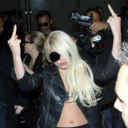 Lady Gaga : elle montre ses fesses et fait des doigts d'honneur à ses fans ! Fail (PHOTOS)