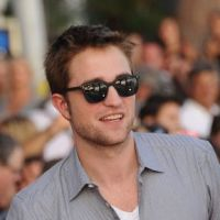 Robert Pattinson : 26 ans, l'âge de raison ? Il arrête l'alcool et les sorties !