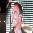 Nikos Aliagas s'éclate sur scène