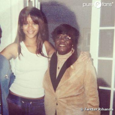 Rihanna à 17 ans aux côtés de sa grand-mère