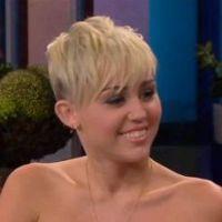 Miley Cyrus : elle dit tout sur la demande en mariage de Liam Hemsworth ! (VIDEO)