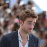 Robert Pattinson clashé par... Uggie, le chien star de The Artist ! Wouf !