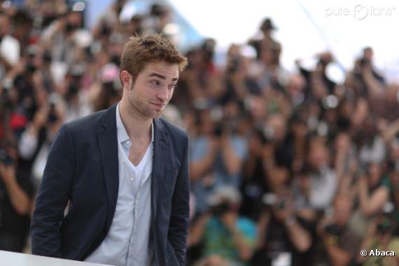 Robert Pattinson étonné de se fait descendre par un chien !