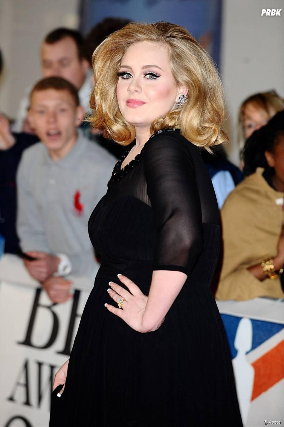 """Adele a été traité de """"grosse"""" par Karl Lagerfeld"""