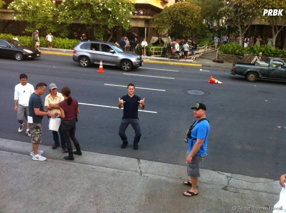 Alex O sur le plateau de tournage d'Hawaii 5-0