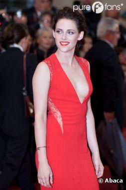 Kristen Stewart attire plus les mecs en étant habillée !