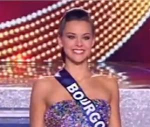 Le défilé en robe de soirée des candidats de Miss France 2013