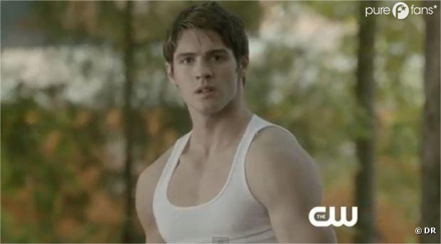 Jeremy est vraiment très musclé dans Vampire Diaries !