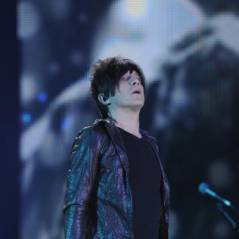 Indochine : Memoria, Nicola Sirkis en roue libre dans Berlin (VIDEO)