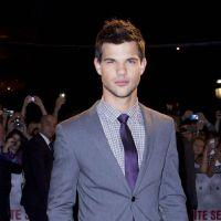 Taylor Lautner casé ? Il passe la soirée avec une ex !