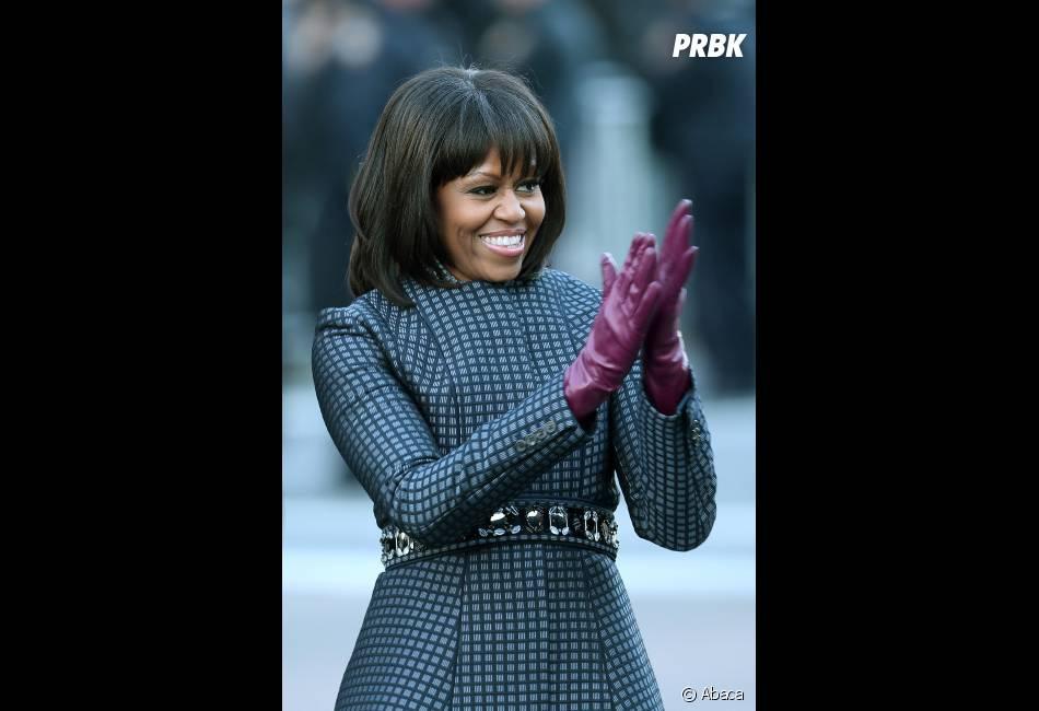 Michelle Obama avec sa nouvelle franche, qui ne plait pas à Karl Lagarfeld.