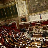 Mariage pour tous : clash à l'Assemblée et sur Twitter pour les députés