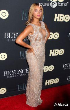 Beyoncé, sublime en Elie Saab Couture pour l'avant-première de son docu