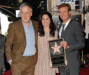Simon Baker avec son étoile, Robin Tunney et Bruno Heller de Mentalist