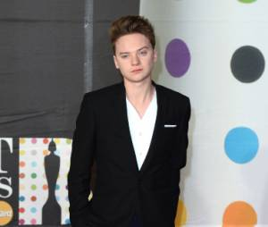 Conor Maynard, simple mais stylé aux Brit Awards 2013