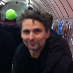 Matthew Bellamy so happy : il découvre le métro