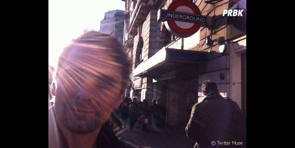 Matthew Bellamy prend le métro londonien...pour la première fois ?