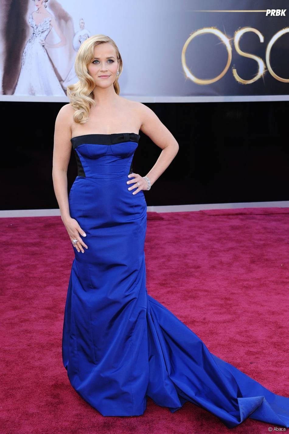 Reese Witherspoon a tenté le bleu pour les Oscars 2013... Hit or miss ? On hésite encore !