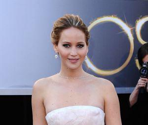 Jennifer Lawrence aurait pu faire un sans faute pour les Oscars 2013. Dommage que sa robe Dior finisse en meringue...