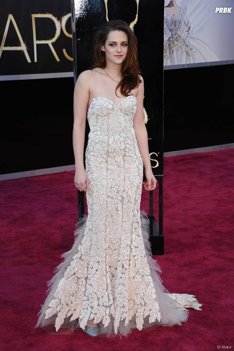 Et un faux-pas de plus pour Kristen Stewart, habillée en Reem Acra !