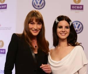 Carla Bruni était avec Lana Del Rey aux Echo Music Awards à Berlin le 21 mars 2013 lors de la mise en examen de Nicolas Sarkozy