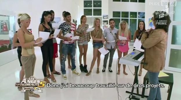 Les Anges ont répété l'hymne des Anges de la télé-réalité 5 sur NRJ12.