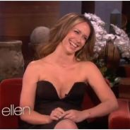 Jennifer Love Hewitt seins en avant chez Ellen DeGenerres : Matthew Perry TRES perturbé