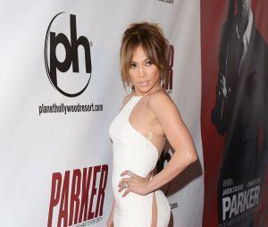 Jennifer Lopez, une cougar toujours aussi sexy
