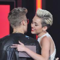 Justin Bieber : Miley Cyrus pour remplacer Selena Gomez ? La rumeur WTF