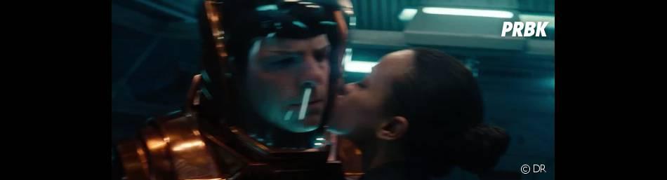 Petit flirt entre amis dans Star Trek Into Darkness